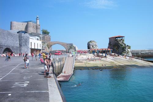Castro urdiales-paseo-castillo