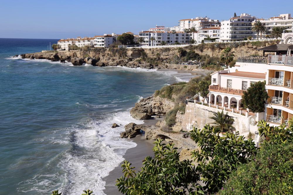 Playa El Salón Nerja - Málaga