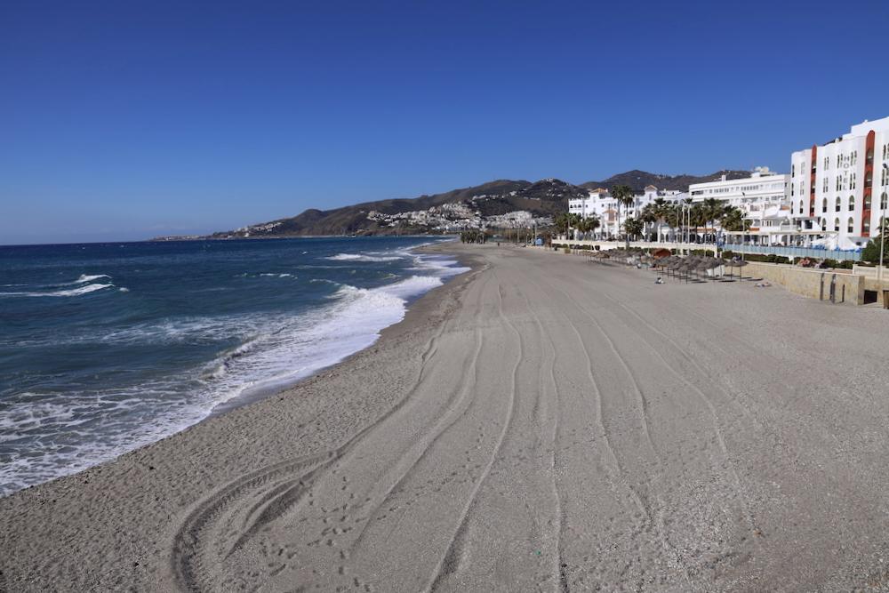 Playa La Torrecilla Nerja - Málaga