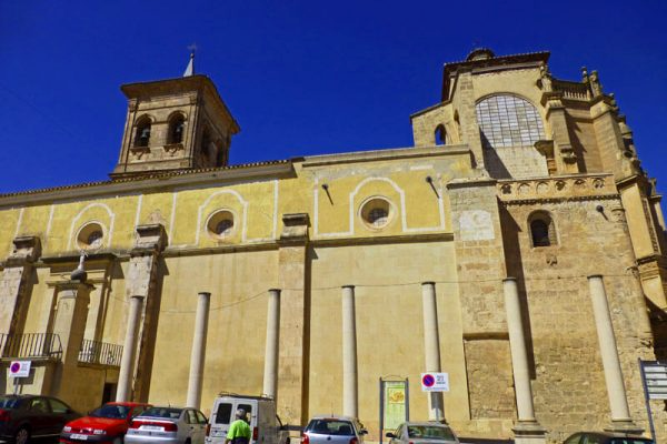 Iglesia-Maria-Salvador-