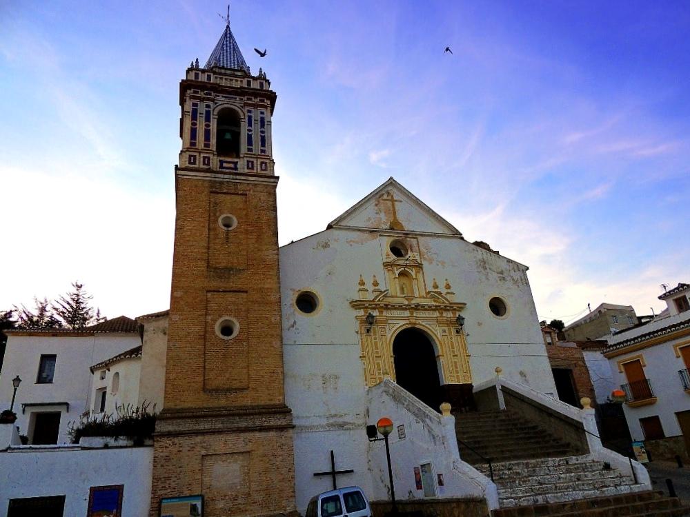 Iglesia Nuestra Señora de los Remedios Convento de los Capuchinos  Este convento religioso data del siglo XVIII y está situado en la parte inferior de Ardales. Lo más destacado es la iglesia, que está cerca de la Capilla de la Encarnación, del siglo XVIII.