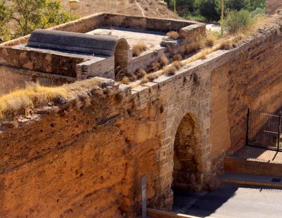 Muralla de Niebla - Huelva
