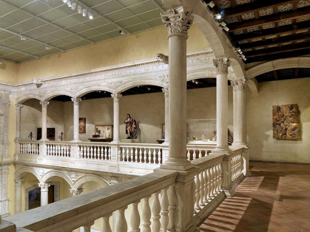Patio Castillo de Vélez-Blanco - Almería