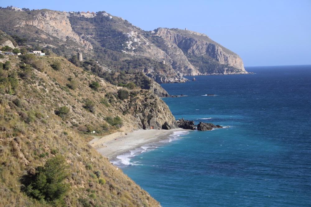 Playa de las Alberquillas Nerja - Málaga