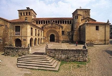 santillana-del-mar-colegiata