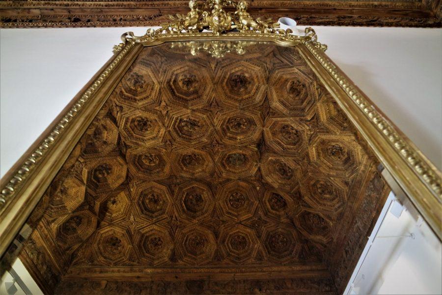 Techo del Palacio Ducal, qué ver en Pastrana, la villa de la princesa de Éboli