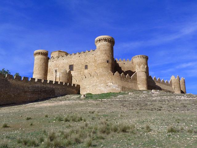 castillo desde la colina