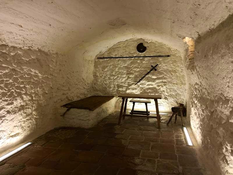 cueva-medrano