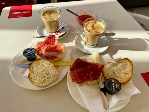 Desayuno en Osuna - Sevilla