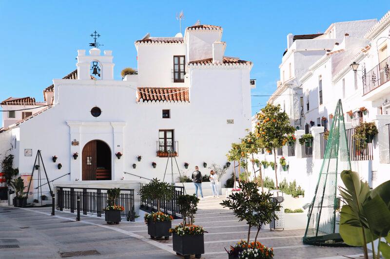Plaza de los siete Cantos Mijas - Málaga