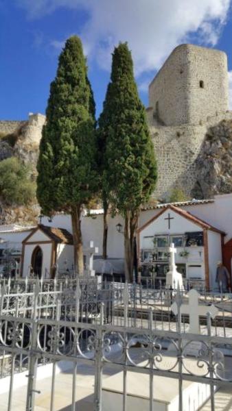 Cementerio pasaje Castillo Olvera - Cádiz