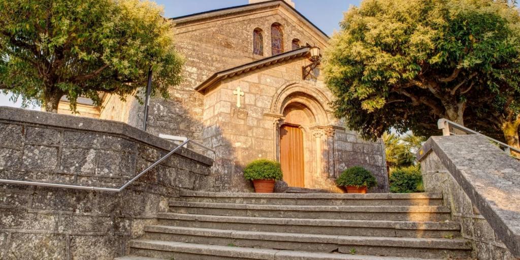 Iglesia de San Tirso en Palas de Rei - Lugo