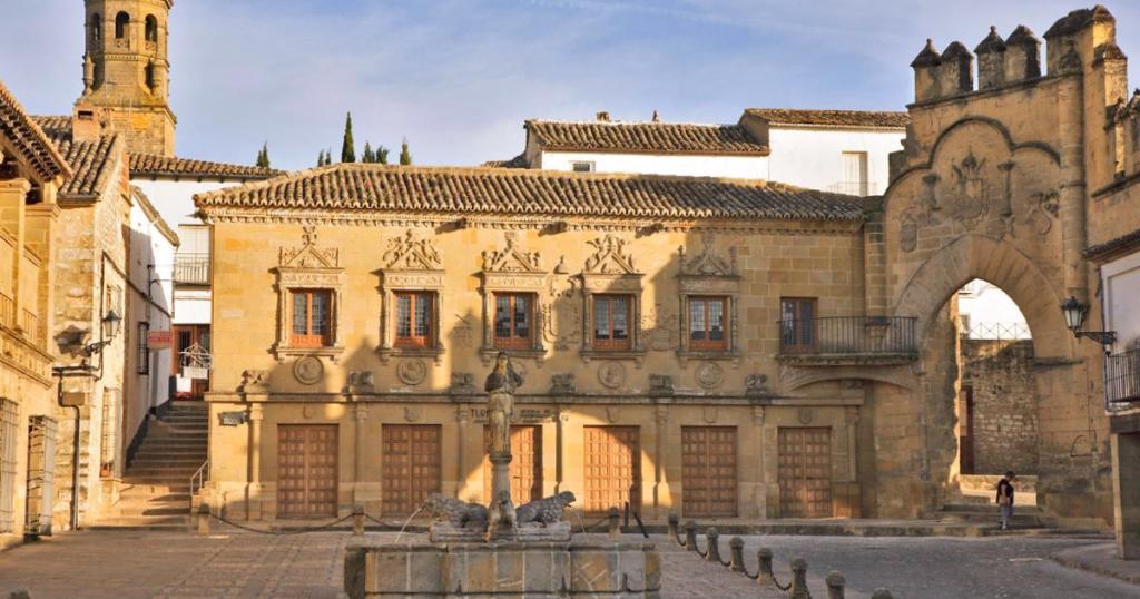 Plaza Pópulo Baeza - Jaén