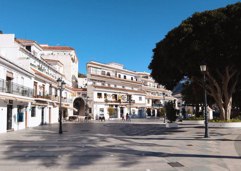 Plaza Virgen de la Peña Mijas - Málaga