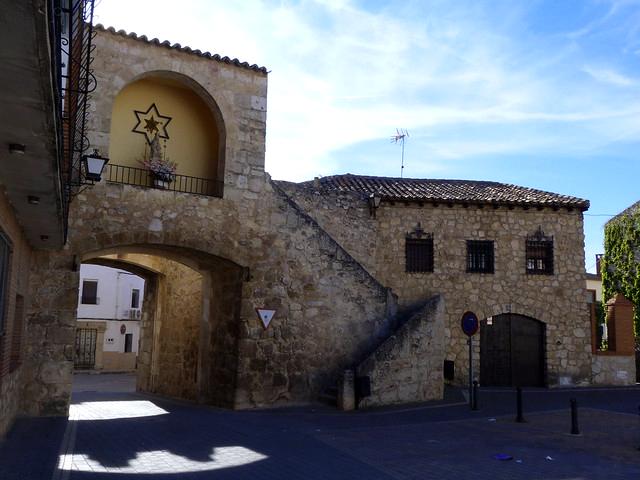 puerta muralla belmonte